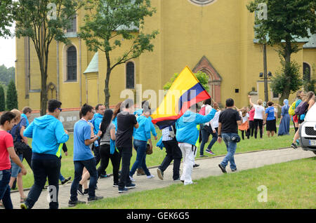 Trzebnica, Poland. 25th July, 2016. World Youth Day, Columbian pilgrims going to St. Jadwiga Sanctuary on 25th July - Stock Photo