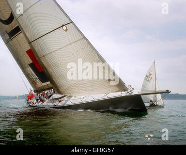 AJAX NEWS PHOTOS. 2005. SOLENT, ENGLAND. - 30M THOROUGHBRED RACER - ICAP-MAXIMUS (NZ) DESIGNED BY GREG ELLIOTT IN - Stock Photo