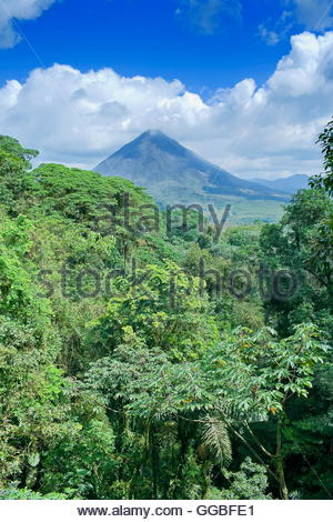 geography / travel, Arenal volcano behind tropical forest, La Fortuna, Costa Rica, Additional-Rights-Clearance-Info - Stock Photo