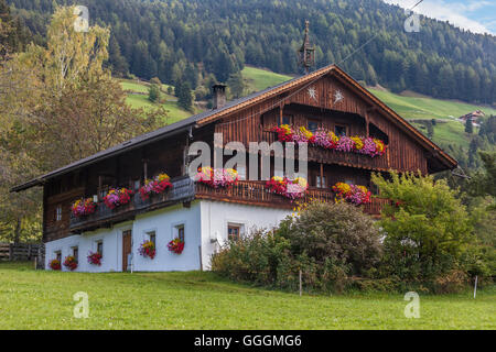 geography / travel, Italy, South Tyrol, old mountain farm near Ahornach, above of the Tauferer valley, Additional - Stock Photo