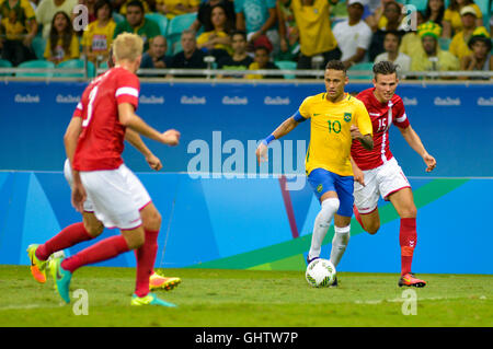 Salvador, Brazil. 10th August, 2016. OLYMPICS 2016 FOOTBALL SALVADOR - Neymar bid dispute in the match between Brazil - Stock Photo