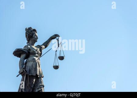 Frankfurt am Main, Hesse, Germany, 'Justitia Statue' at the 'Gerchtigkeitsbrunnen' (fountain) at the 'Römerberg' - Stock Photo