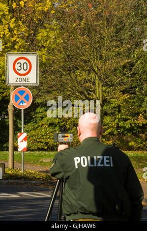 BRD, Deutschland, NRW, Bergheim, Radarkontrolle - Stock Photo