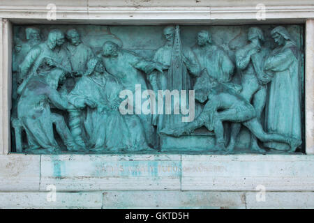 King Matthias Corvinus with his scholars. Bronze relief by Hungarian sculptor Gyorgy Zala on the Millennium Monument - Stock Photo