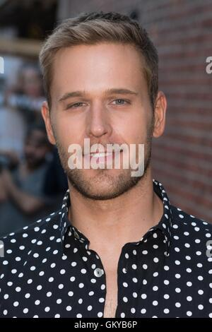New York, NY, USA. 23rd Aug, 2016. Dan Amboyer out and about for Celebrity Candids - TUE, New York, NY August 23, - Stock Photo