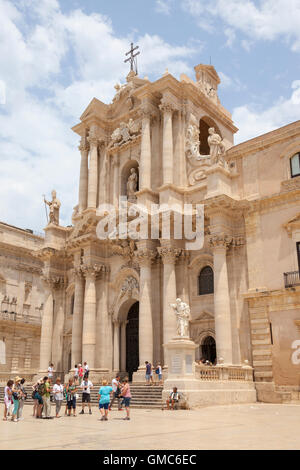 Syracuse Cathedral, Piazza Duomo, Ortygia, Syracuse, Sicily, Italy - Stock Photo