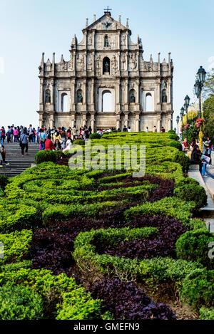 st paul's church ruins famous tourist attraction landmark in macau china - Stock Photo