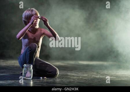 Edinburgh, UK. 27th Aug, 2016. Raw, performed by Belgian dance company Kabinet K at the Edinburgh International - Stock Photo