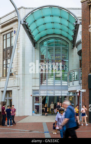 An entrance into the Oracle Shopping Center off Broad Street in Reading, Berkshire - Stock Photo