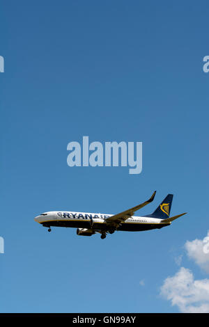 Ryanair Boeing 737-8AS approaching Birmingham Airport, UK (EI-EFS) - Stock Photo