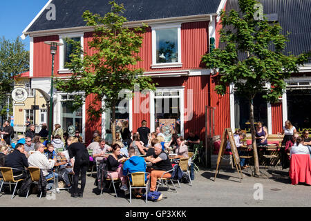 Sæta svínið gastropub restaurant in downtown city centre busy with visitors enjoying dining out on a sunny day in - Stock Photo