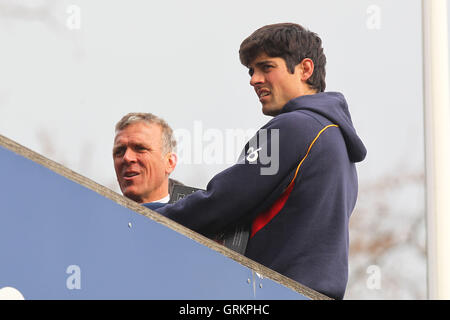 Alastair Cook of Essex and England (R) and Alec Stewart of Surrey on the dressing room balcony - Essex CCC vs Surrey - Stock Photo