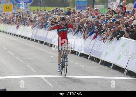 Bristol, UK.  10th September 2016. Tour of Britain stage 7b, circuit race. Rohan Dennis of BMC wins the stage, while - Stock Photo