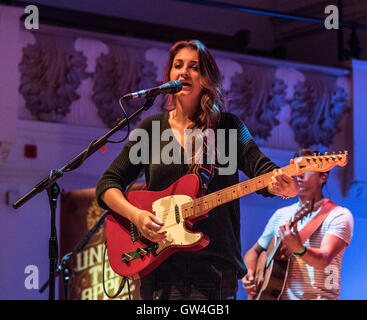 London, UK. 10th September, 2016. London, Cadogan Hall.Ward Thomas the first British country artist to have number - Stock Photo