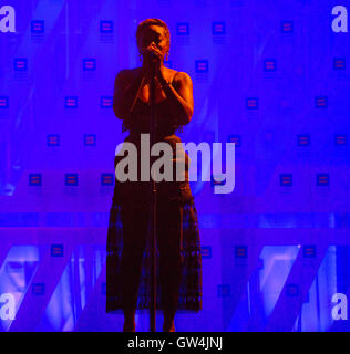 Washington, USA. 10th Sep, 2016.  Grammy award winner, Estelle, performs during the 20th Annual Human Rights Campaign - Stock Photo