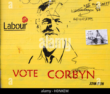 Mural graffiti supporting Jeremy Corbyn for the Labour leadership election.  The result is announced on 24 September - Stock Photo