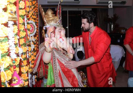 Bollywood actor Neil Nitin Mukesh leaving immersion on the final day of the Ganesh festival, in Mumbai - Stock Photo