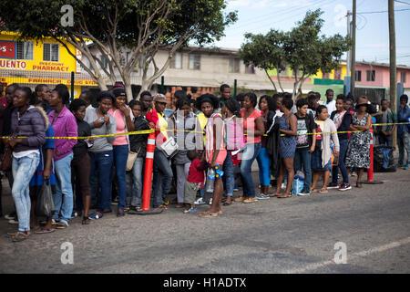 Tijuana, BAJA CALIFORNIA, MEXICO. 19th Sep, 2016. Haitian and African migrants seeking to enter the United States - Stock Photo