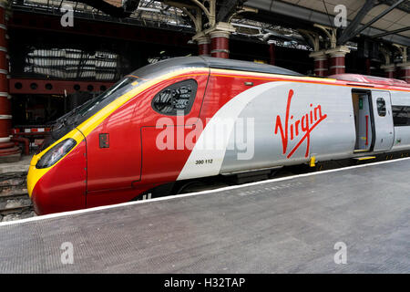 Virgin Trains Class 390 Pendolino 390 112 at Liverpool Lime Street station. - Stock Photo
