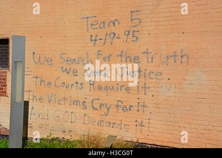 Message spray painted by rescuers on the wall of the Journal Record Building the day of the Oklahoma City bombing - Stock Photo