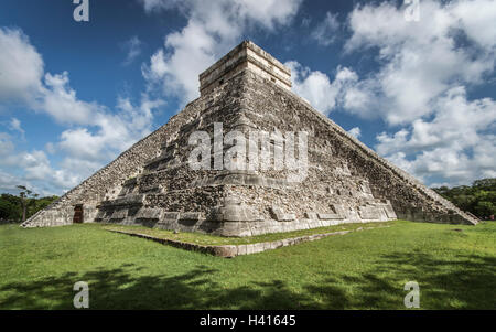 Pyramid El Castillo in Chichen Itza (Mexico) - Stock Photo