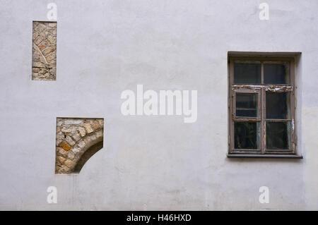 Lithuania, Vilnius, old town, Bernardinu Gatve, house facade, new, window, detail, gaps, masonry, old, - Stock Photo