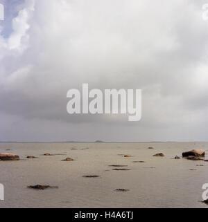 Denmark, island Samsö, the Baltic Sea, beach, low tide, rain clouds, - Stock Photo