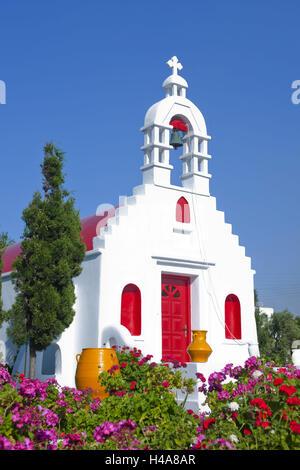 Greece, the Cyclades, Mykonos, church in the street Mykonos town to Ano Mera, - Stock Photo