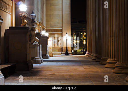 A nighttime view of St Georges Hall Liverpool, a grade 1 listed building - Stock Photo