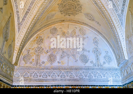 The old mansion decorated in Andalusian style with the carved islamic patterns on walls and ceiling, El Kef - Stock Photo