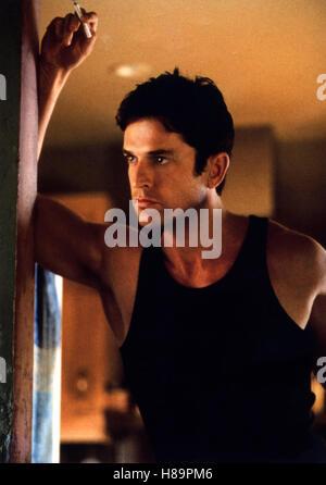 Ein Freund zum Verlieben, (THE NEXT BEST THING) USA 2000, Regie: John Schlesinger, RUPERT EVERETT, Stichwort: Zigarette - Stock Photo
