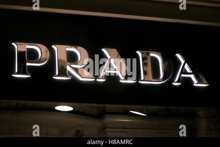 das Logo der Marke 'Prada', Berlin. - Stock Photo