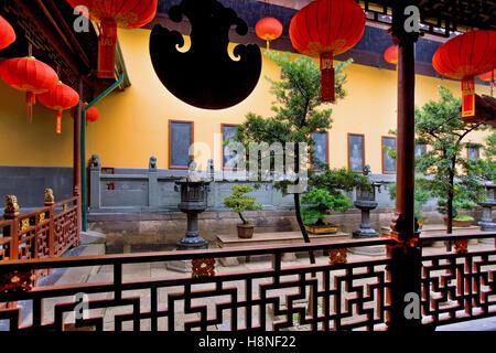 Jade temple in Shanghai - Stock Photo