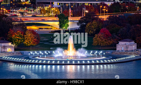 Point State Park in Pittsburgh, Pennsylvania and the iconic illuminated - Stock Photo