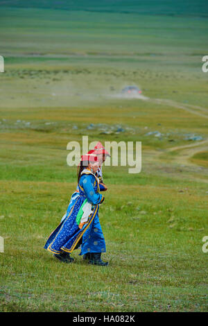 Mongolia, Uvs province, western Mongolia, nomad woman in the steppe - Stock Photo