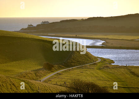 Cuckmere Haven river, cutting through the South Downs National Park, to meet the English Channel. - Stock Photo