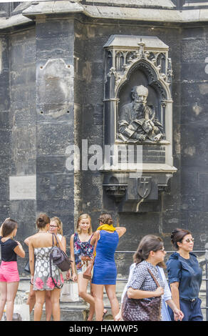 tourists in front of stephansdom, vienna - Stock Photo