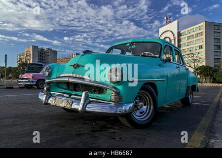 Plymouth-Oldtimer in Havanna - Stock Photo