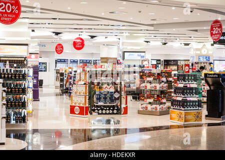 England, London, Heathrow airport, Terminal 2. Departure lounge interior. World Duty Free Shop, open with merchandise - Stock Photo