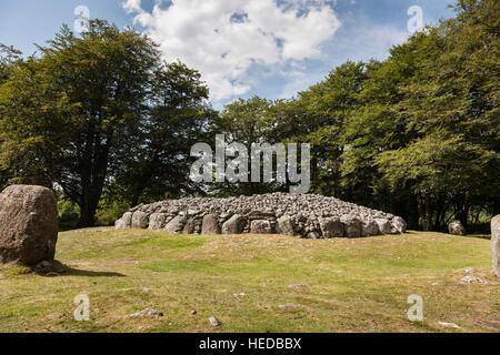 North East Passage Grave at Clava Cairns in Scotland. - Stock Photo