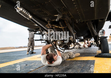 U.S. Army soldiers from 4th Battalion, 227th Attack Reconnaissance Battalion, 42nd Combat Aviation Brigade, prepare - Stock Photo