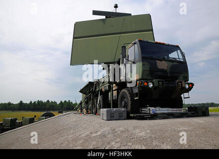 A AN/TPS-75 radar rests on the back of a transport vehicle at the Alpena Combat Readiness Training Center, Mich., - Stock Photo