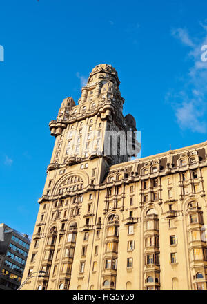Uruguay, Montevideo, View of the Salvo Palace on the Independence Square. - Stock Photo