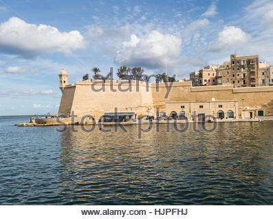 Walls of  St Michael's Fort on the Senglea peninsula in the Grand Harbour at Valletta on Malta. - Stock Photo