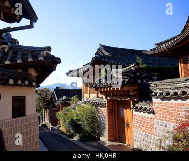 The traditional Korean architecture of Bukchon Hanok Village in Seoul, South Korea. - Stock Photo