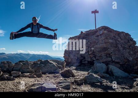 Hiking in Andorra - mounatin bagging: Pic de Casamaya 2 740 msl - Stock Photo
