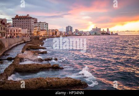 Malecón, La Habana, Cuba - Stock Photo