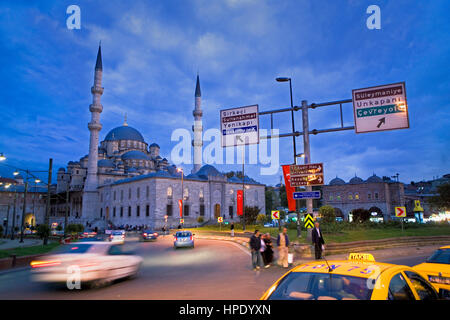 Yeni Mosque, eminonu, Istanbul, Turkey - Stock Photo