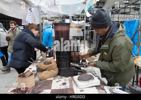 Coffee stall, Portobello Road Market, Notting Hill, London England UK - Stock Photo