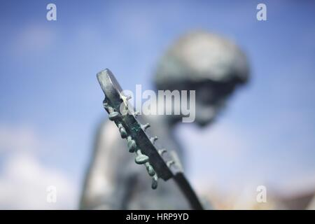 Jimi Hendrix Statue at Dimbola Lodge Photographic Museum and Galleries, Freshwater Bay, Isle of Wight - Stock Photo